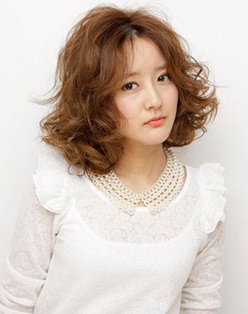 齐刘海 卷发发型