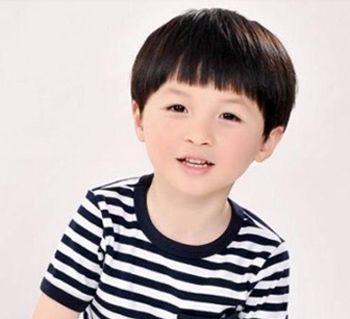 小男生蘑菇头短发发型 小孩蘑菇头发型图片图片
