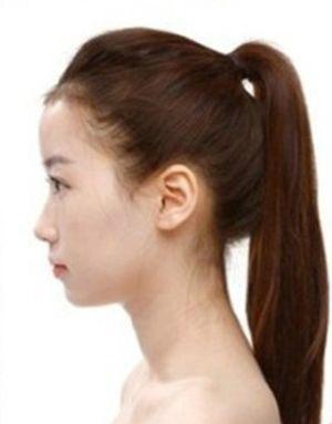 简单马尾盘发发型 清爽直发马尾发型扎法图解图片