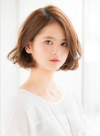 什么发型适合圆脸_下巴圆圆的脸适合什么短发发型 适合圆脸的短发发型名称及图片 ...