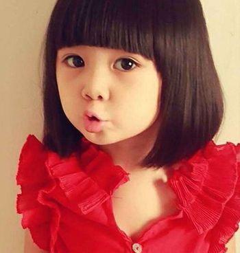 这款适合小女孩的 短发发型看起来清爽气息十图片