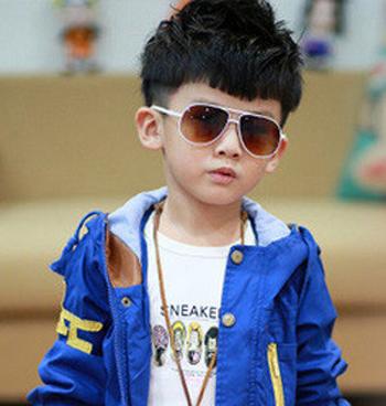 2岁小男孩时尚最新发型设计