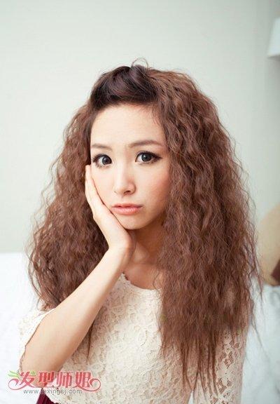 非主流发型女生爆炸头 非主流爆炸式女生发型图片图片