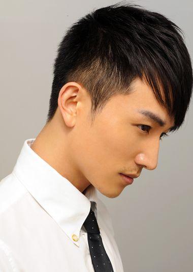 男生前长后短发型 两边短中间长男生发型