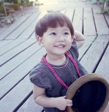 女童短发蘑菇头发型 儿童蘑菇头短发发型