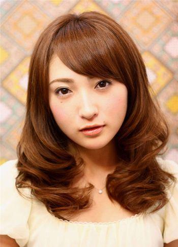 脸圆的女生适合什么发型 圆脸女生适合的染发颜色图片