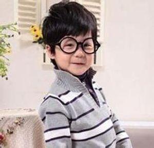 三岁小男孩发型设计 三至四岁的男童炫酷发型图片