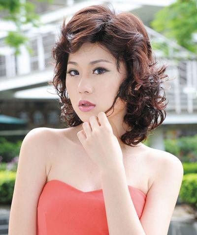 适合50岁中老年女性的烫发发型 中老年女性烫发发型图片