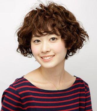 短发蛋卷头好打理吗 短发蛋卷烫发发型图片(4)图片