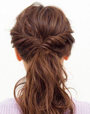 中长发怎么扎马尾好看 长头发扎马尾辫图解(3)图片