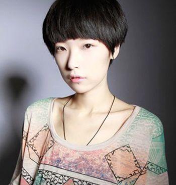 沙宣短发应该怎么做造型 12岁女生沙宣短发发型图片图片