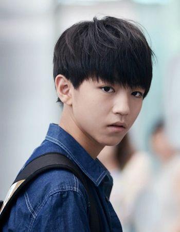 15岁女生刘海男生好看适合15岁男孩的发发型中分外翻刘海短发图片图片