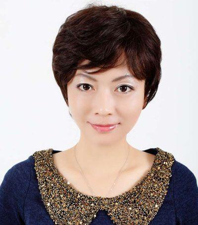 中老年女士长脸发型设计