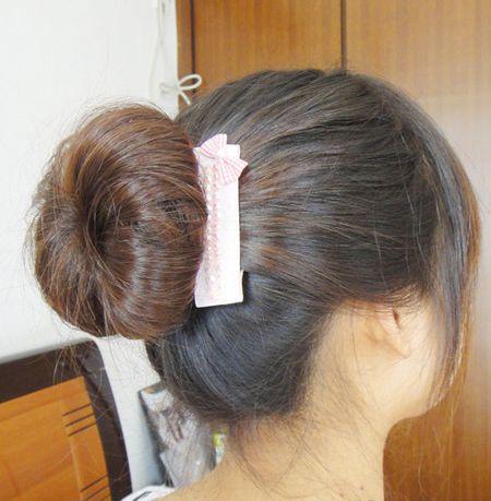 发型diy 花苞头 >> 花苞头用哪种盘发器 用海绵盘发器扎花苞头  2016图片