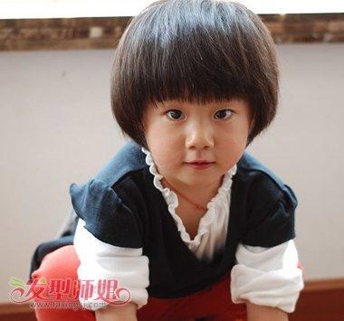 小孩子蘑菇头如何换发型 小女孩蘑菇头发型图片图片