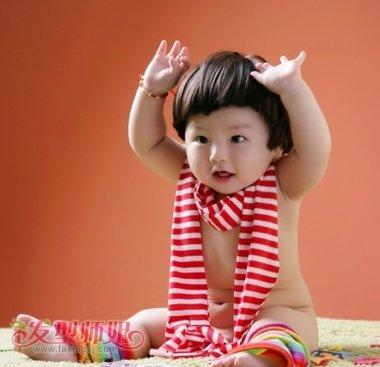 小孩子蘑菇头如何换发型 小女孩蘑菇头发型图片(2)