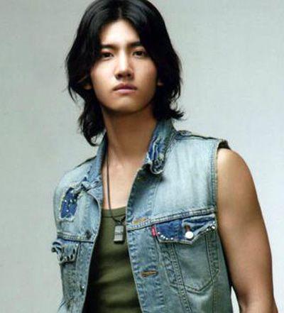 男生长发发型大全 潮流男性中长直发