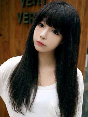 小脸适合黑色齐刘海直发吗 小脸好看的直发发型图片(3图片
