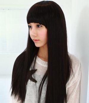 小脸适合黑色齐刘海直发吗 小脸好看的直发发型图片(2图片