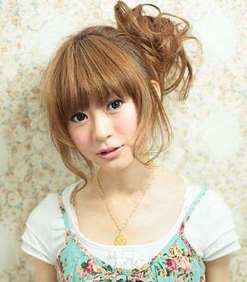 发型diy 长发扎发 >> 长头发怎么扎荷包头好看 荷包头发型扎法大全(2)图片