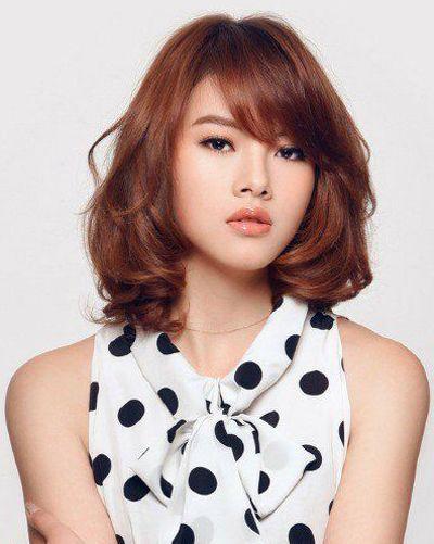 2015方脸最流行的烫发发型 女生方形脸中长款烫发 2
