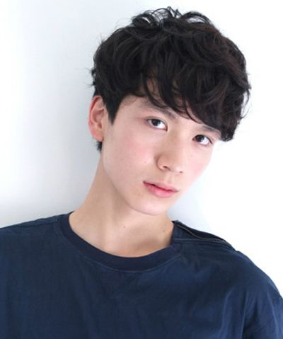 今年男生烫发新发型 男生烫发发型图片(2)图片