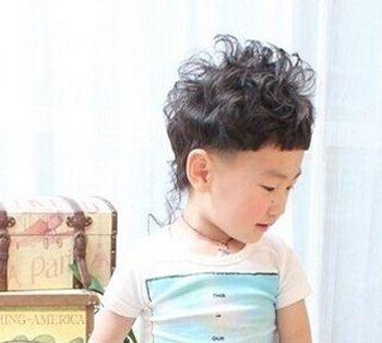 4岁男孩子发型设计 4岁男孩子适合的青少年发型图片图片