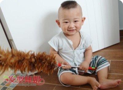 1岁男宝宝发型设计 1岁以内小男孩的发型图片(2)图片