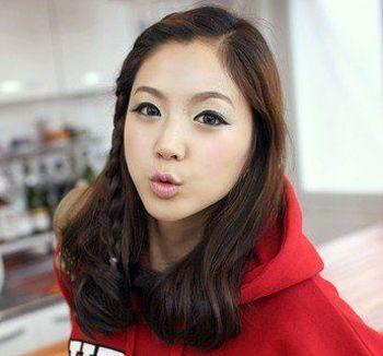 发型师姐编辑:micky 分享到  学院派气息十足的一款刘海编发发型设计图片