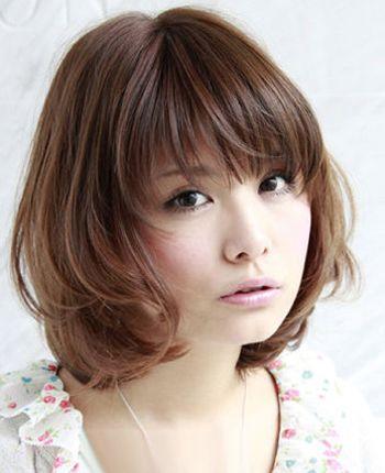 长脸女生长头发好看还是短头发好看 长脸女生适合的短发发型图片
