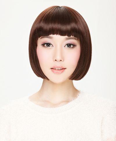 方形脸女生整齐平刘海齐颈短发