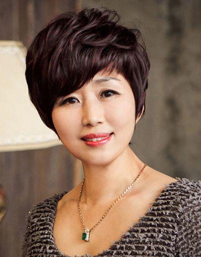 中年人大脸梳长头发还是短头发好 长脸适合短头发图片