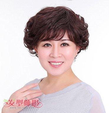 中年圆脸适合什么发型 圆脸中年人适合的发型图片