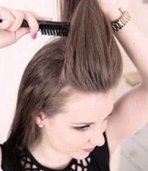 最新30岁圆脸扎马尾的刘海发型 圆脸简单马尾发型扎法图片