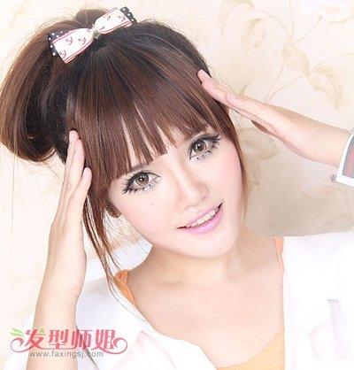 齐刘海高扎马尾发型