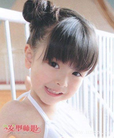 脸圆的小学生适合什么发型 小女孩圆脸适合的可爱发型图片