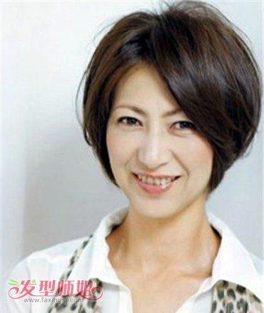 中老年35 50岁流行女士发型 女性中老年人卷发发型图片图片