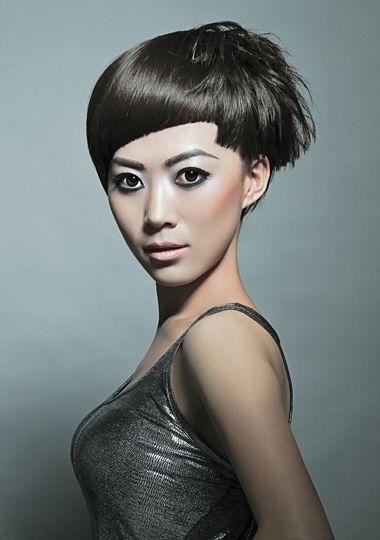 >> 女孩纹理沙宣发型 沙宣烫发发型图片  蓬松饱满的 纹理烫短发发丝图片