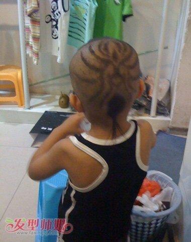 男宝宝理发发型 男宝宝带辫子发型(4)图片