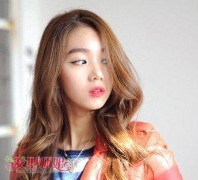 宽额头长脸烫发发型图片女中长发(4)图片