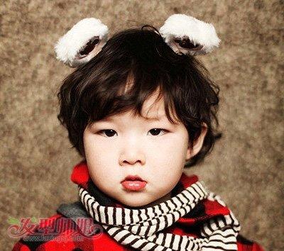 很有几分韩国范吧,小女孩的萌萌哒气质完美体现