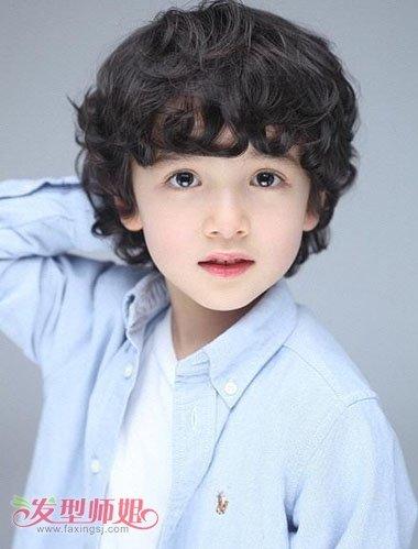 小男孩螺旋卷小卷烫发发型-男童短发新潮发型图片 如何帮男童设计发型