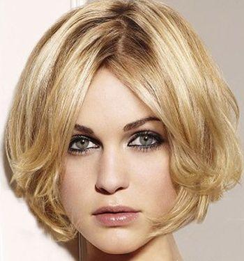 脸长剪短发什么发型好看 脸长无白头发短的女生发型图片