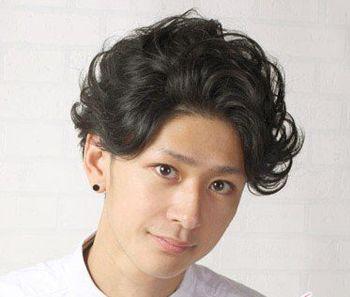 男生短发烫发的发型是怎么样的 男生时尚短卷发发型图片