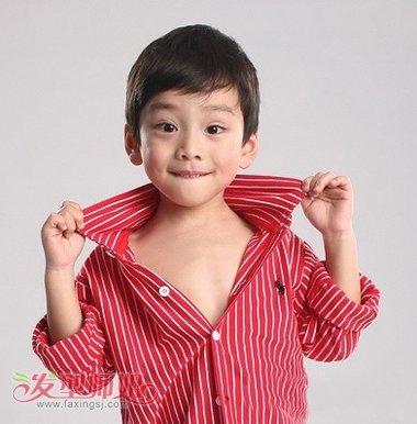 6岁小发型小长脸应该是样男孩6岁男孩最配网短发红中分刘海图片