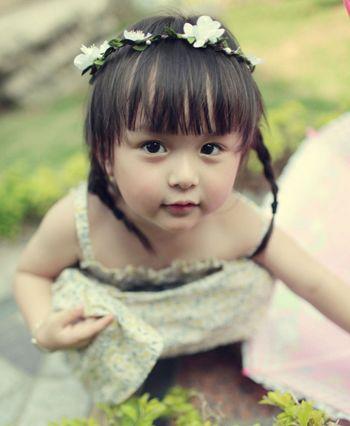 小孩编辫子发型扎法 幼儿短发扎辫子发型图片