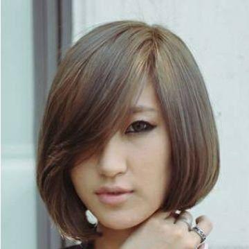 发型师姐编辑:emily 分享到  清爽干练的 蘑菇头发型主要以 短发为主图片