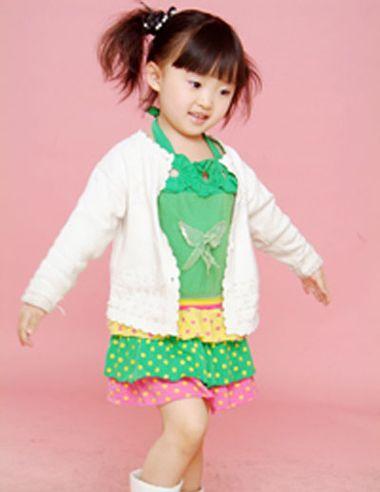 小女孩可爱马尾发型