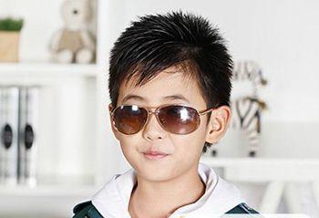 小男孩时尚短发发型图片