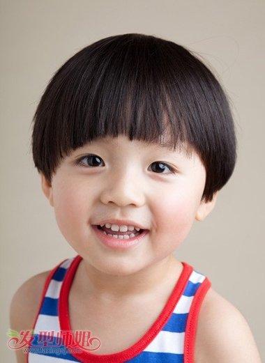 3岁男孩的发型图片